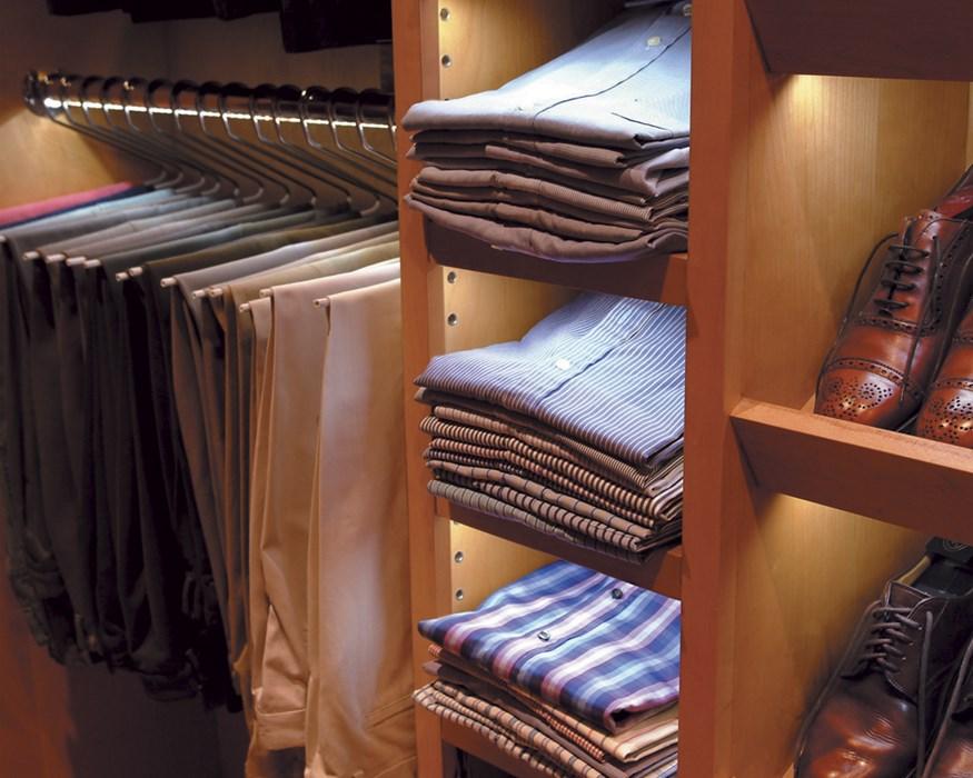 12_RES_Closet_Rod_Lighting.jpg