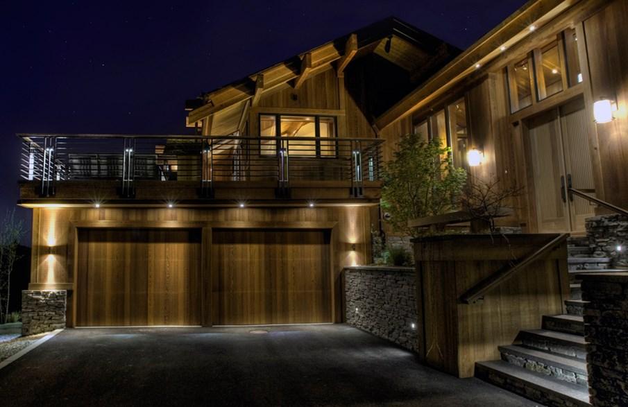 12_Natural_Wood_Garage.jpg