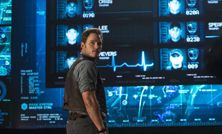 jurassic-world-chris-control.jpg