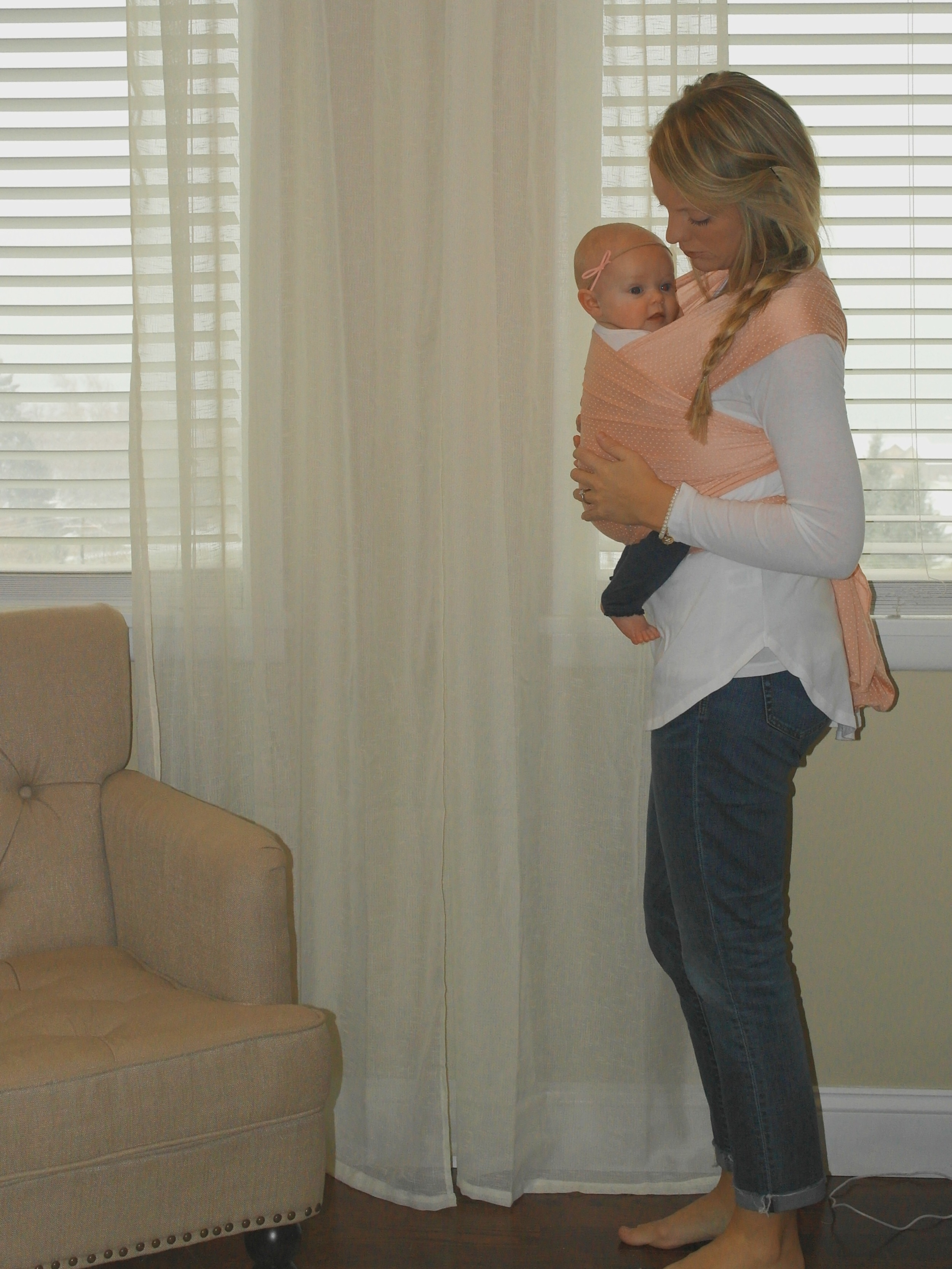 Baby carrying | baby wrap | mom life | wife. Mother. Lifestyle blogger