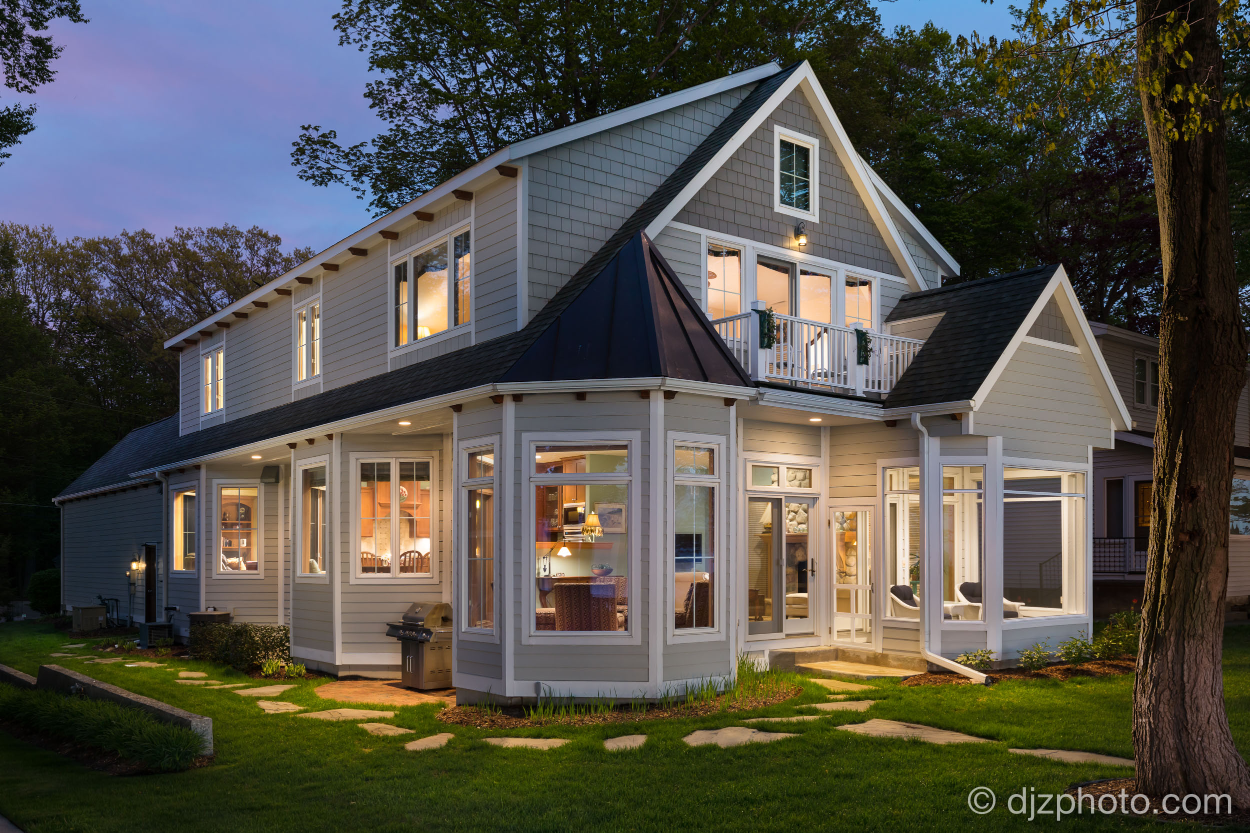 Lakehouse Twilight
