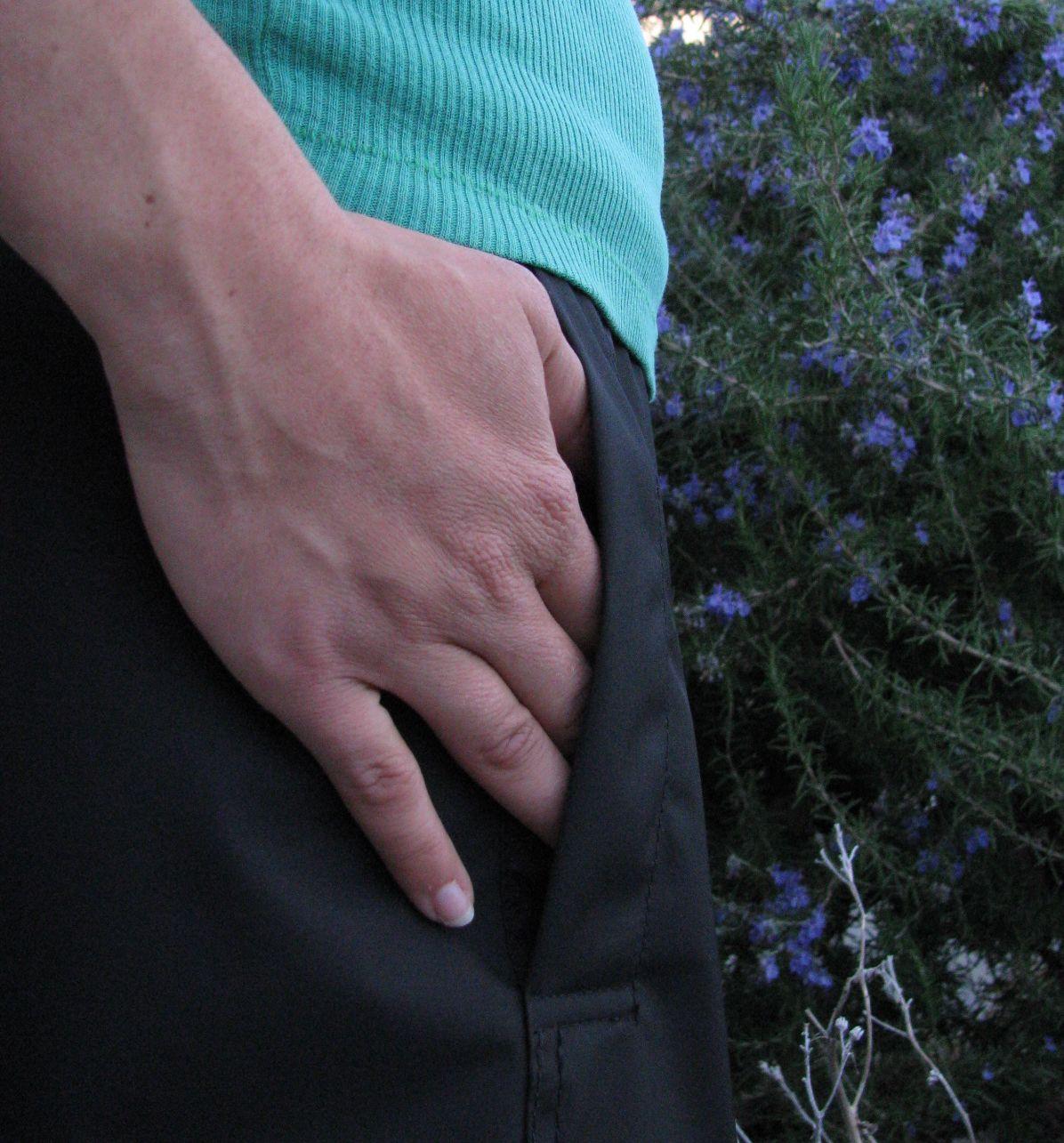 hand_into_pocket.jpg