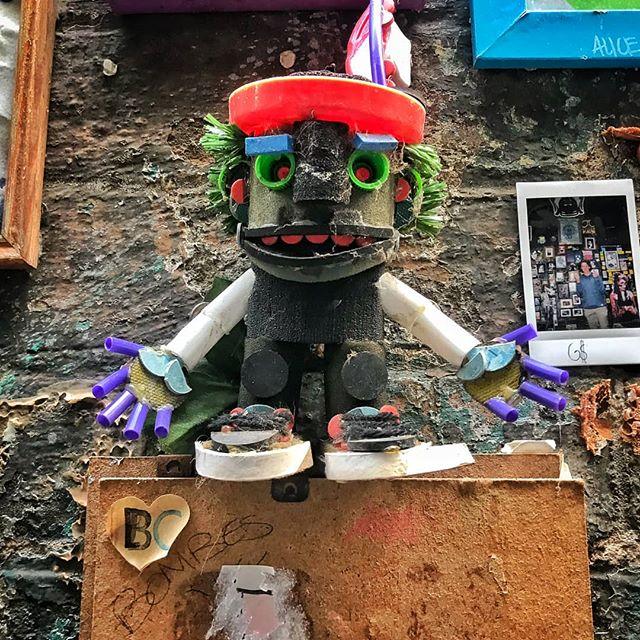 • O U T & A B O U T • Places and faces ❤️ @presgrave_place_streetart #melbournelife #faces #streetart #streetartists #thethingsyoudoforlove #casting #people #melbourne #melbournestreets #highwaycasting