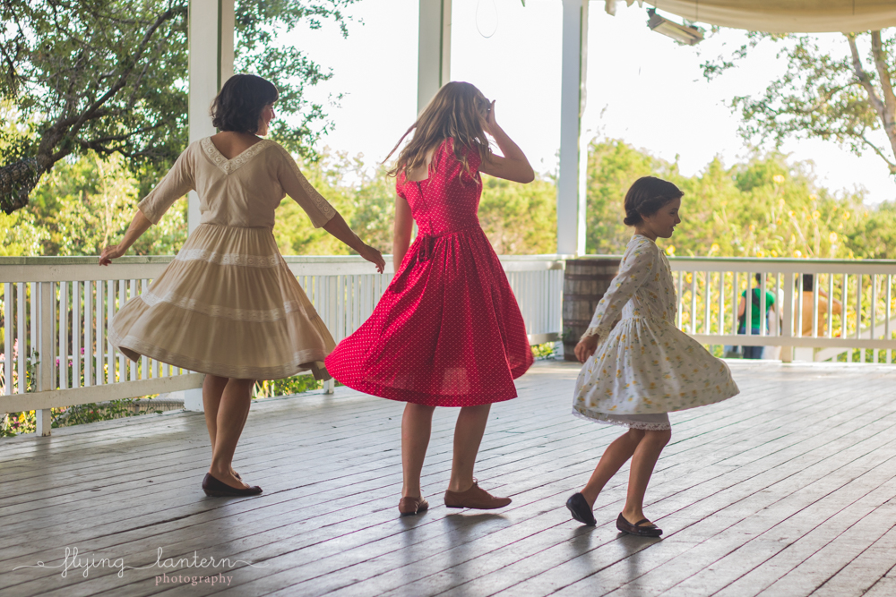 mother and girls dancing