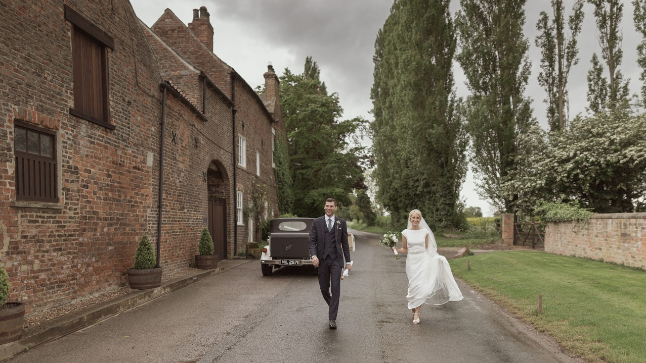 Arriving in Style at The Normans wedding venue Photo by www.lukebellphotography.co.uk