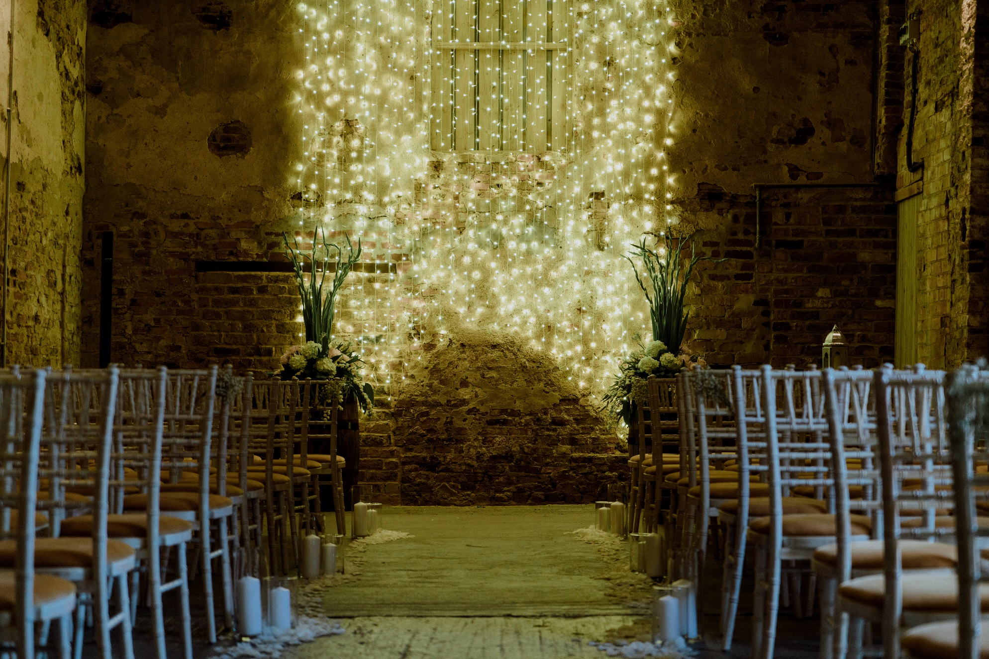 Ceremony Barn at The Normans Photo by www.sevenpoints.uk
