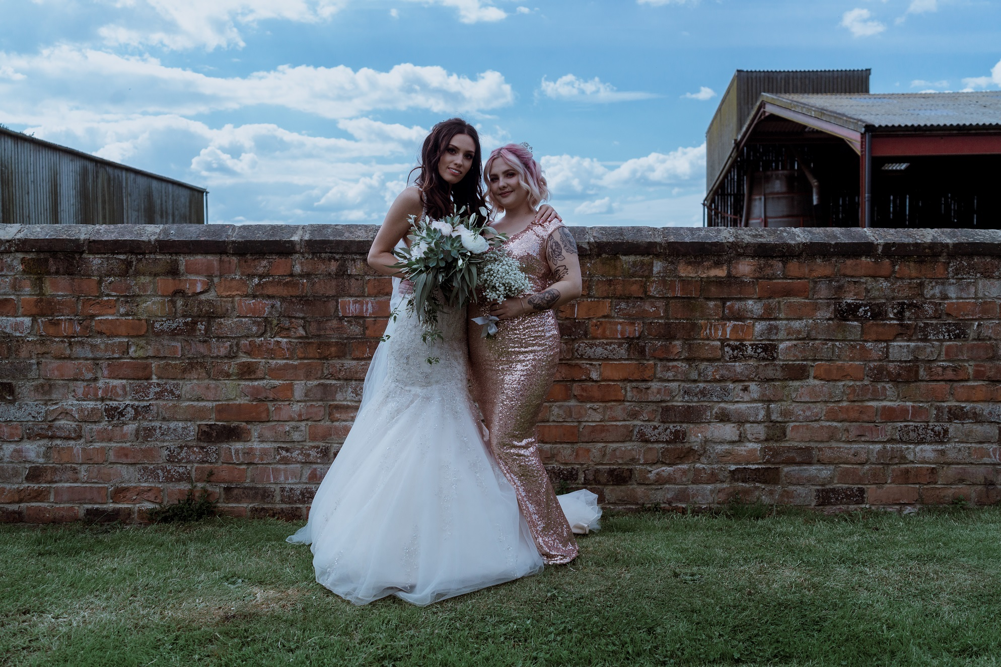 Girl squad! Bride and bridesmaid at The Normans. Photo by www.sevenpoints.uk