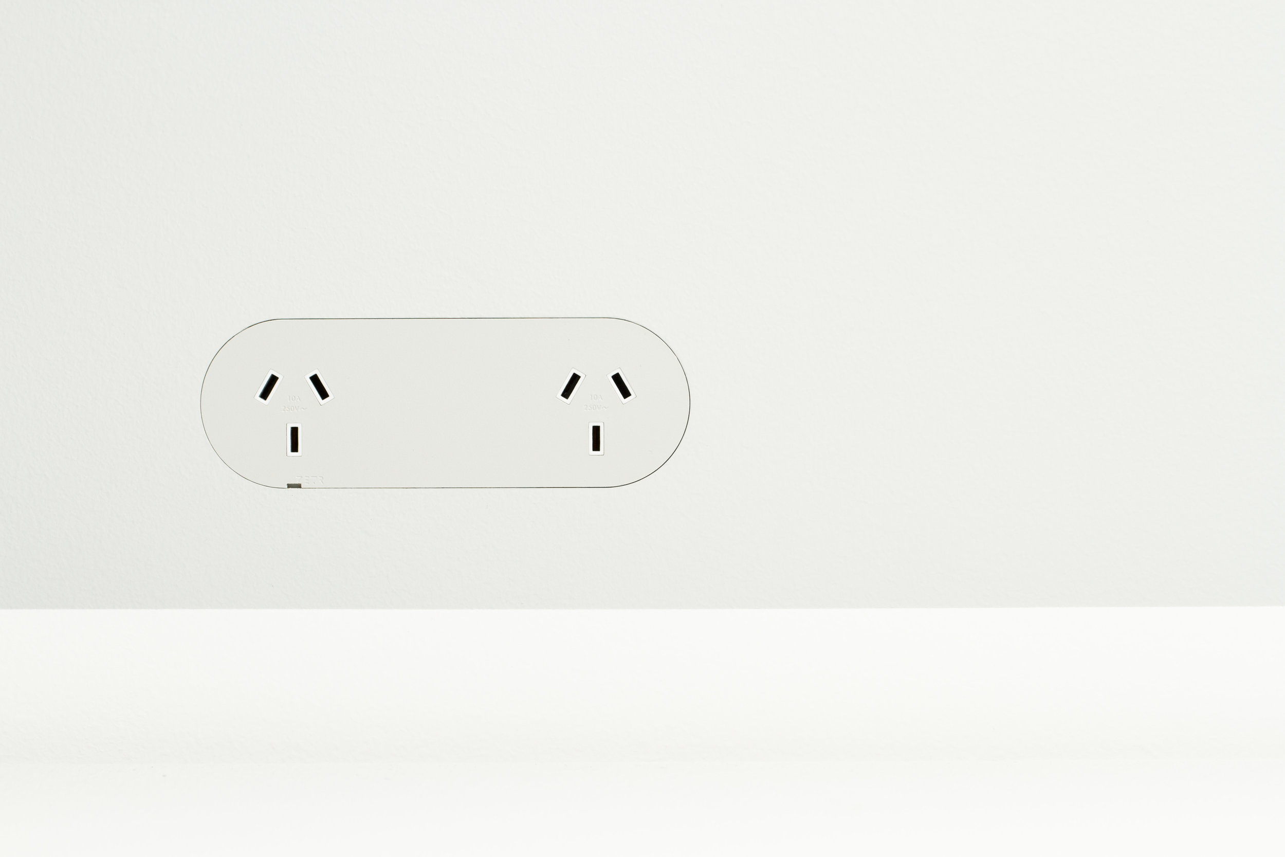 ZETR Double Outlet in Plasterboard
