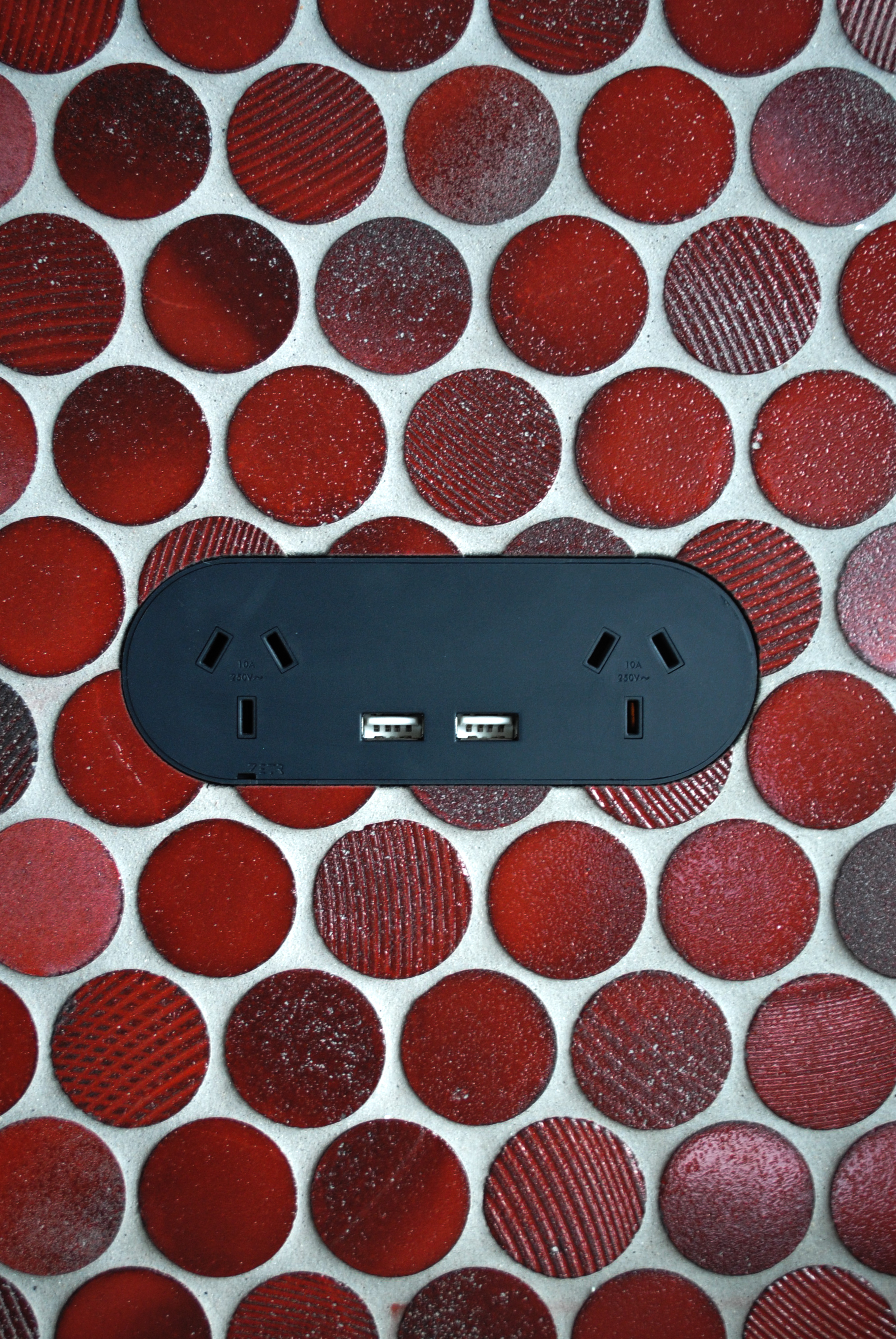 ZETR 13-O-USB -B | Double Outlet with USB x Surface Gallery Fusion Ruby Pennyround