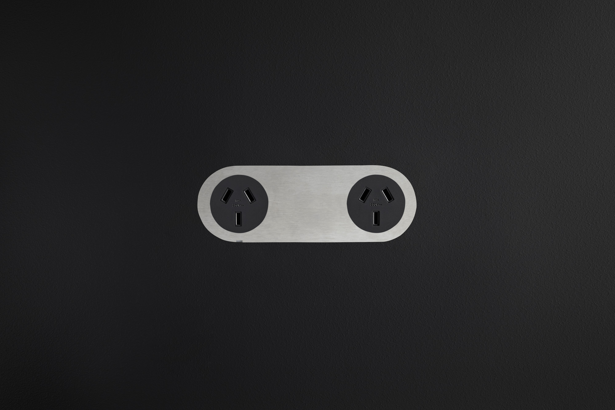 Double_Outlet_Stainless_Silver_Black_Outlet_Black_Board.jpg
