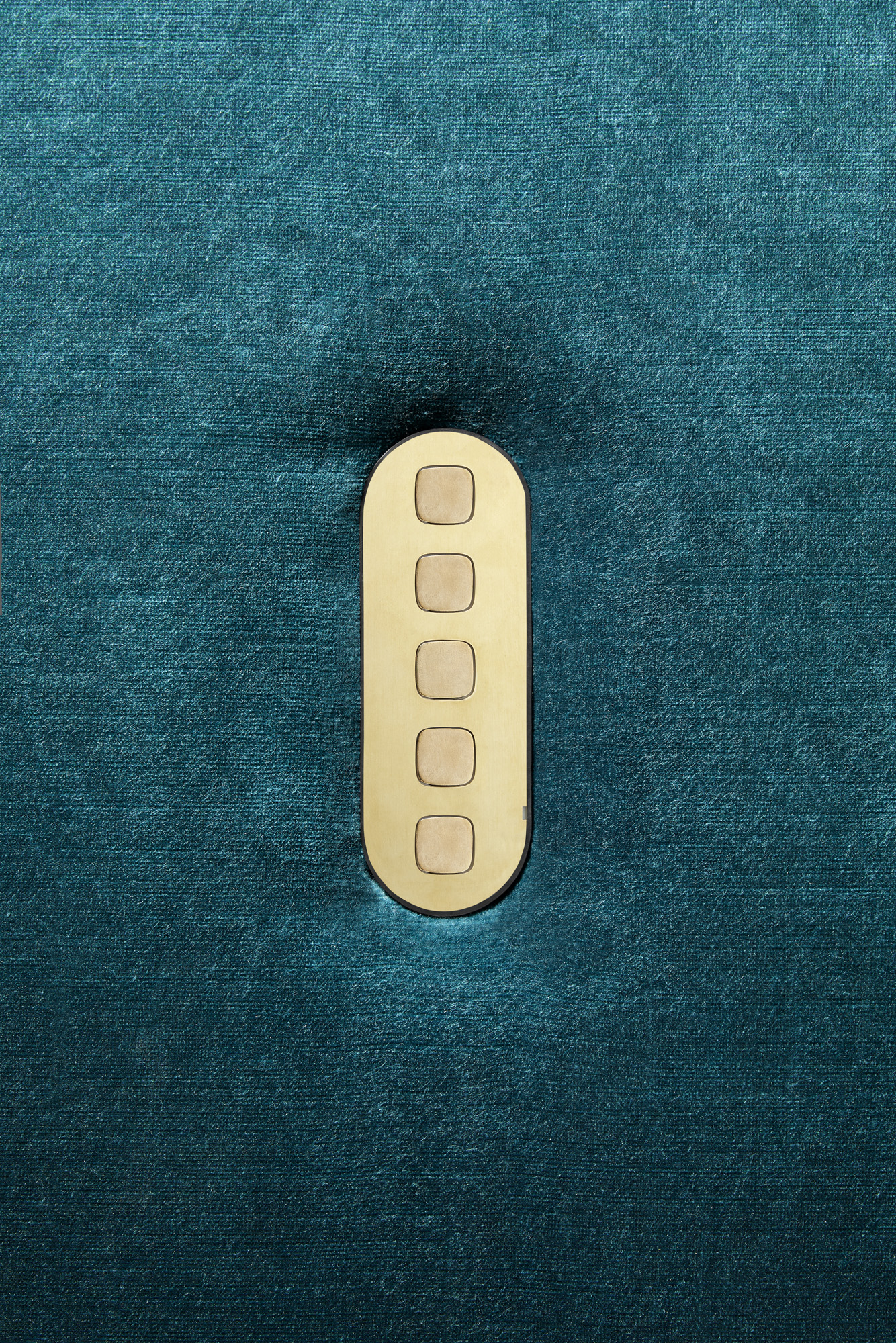 Five_Gang_Switch_Brass_Fabric.jpg