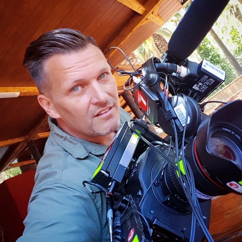 Styreleder Meidel Olsen arbeider til daglig som fotograf.
