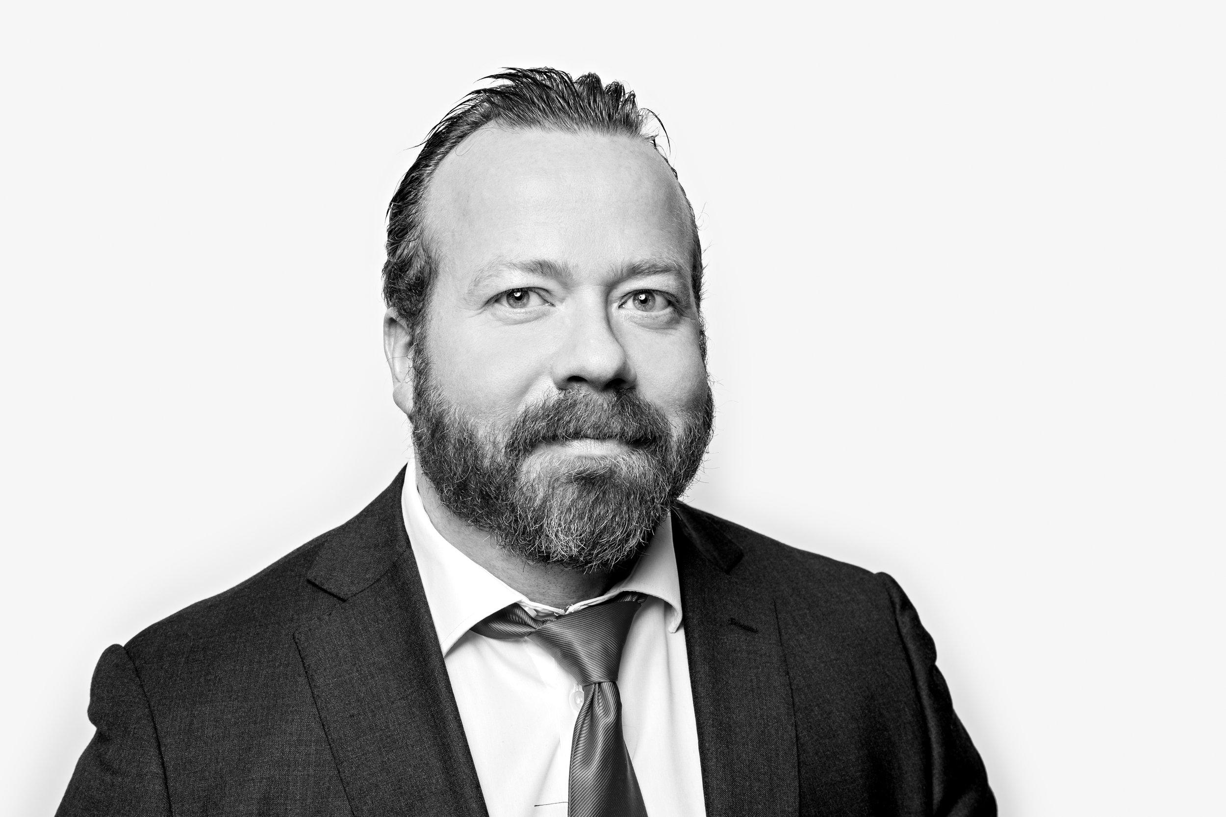 Forfatter Asbjørn Næss er tidligere stjernereporter i Finansavisen