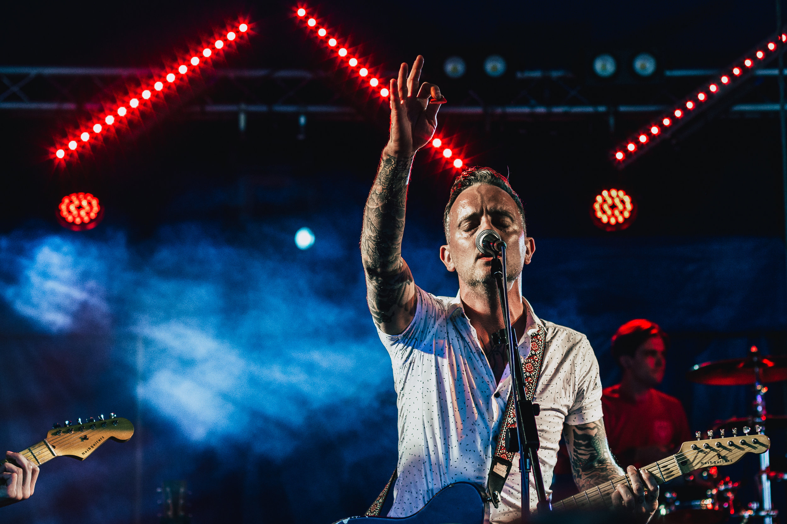 As the sun went down, Dave Hause & The Mermaid gave fans everything they needed to stick around!