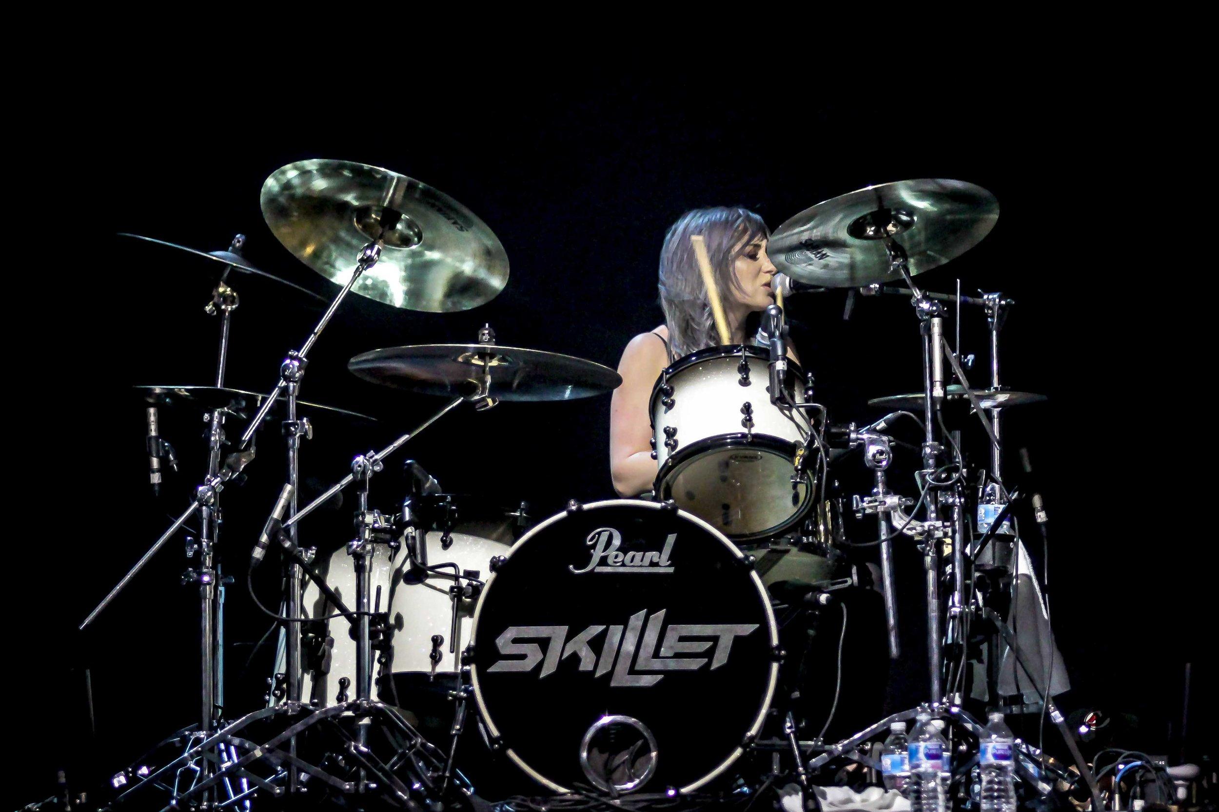 Jen Ledger of Skillet