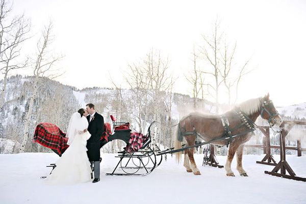 winter-wedding-bride-groom-sleigh-rebekah-westover.jpg