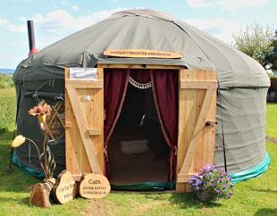 honeymoon-yurt-seating.jpg