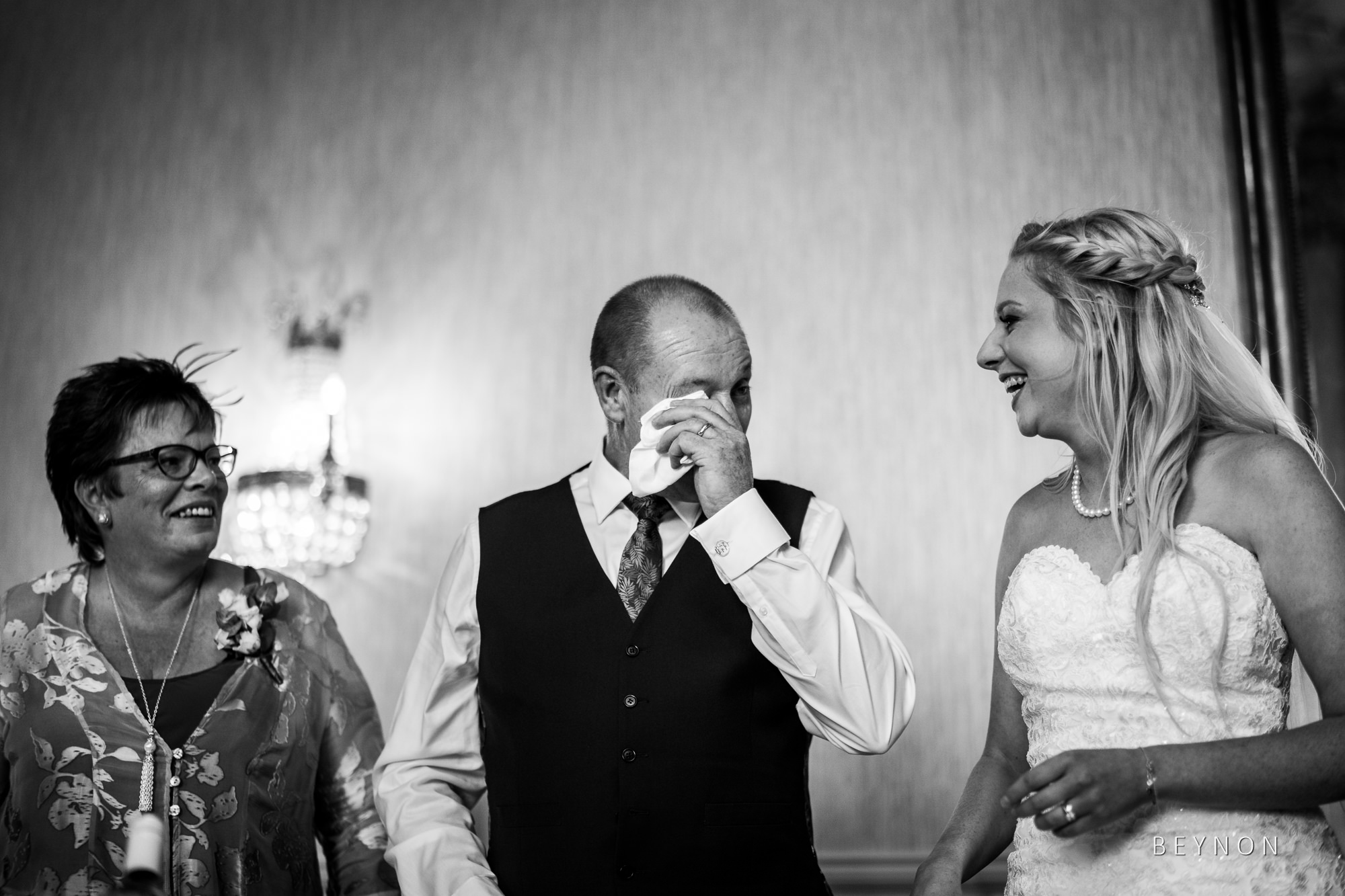 Bride's dad gets emotional during speeches