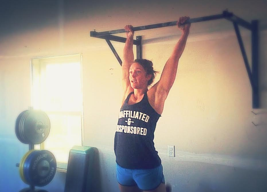Shala Giardini - the first athlete to perform CrossFit Open workout 16.1 in the wild/STRONG Garage.