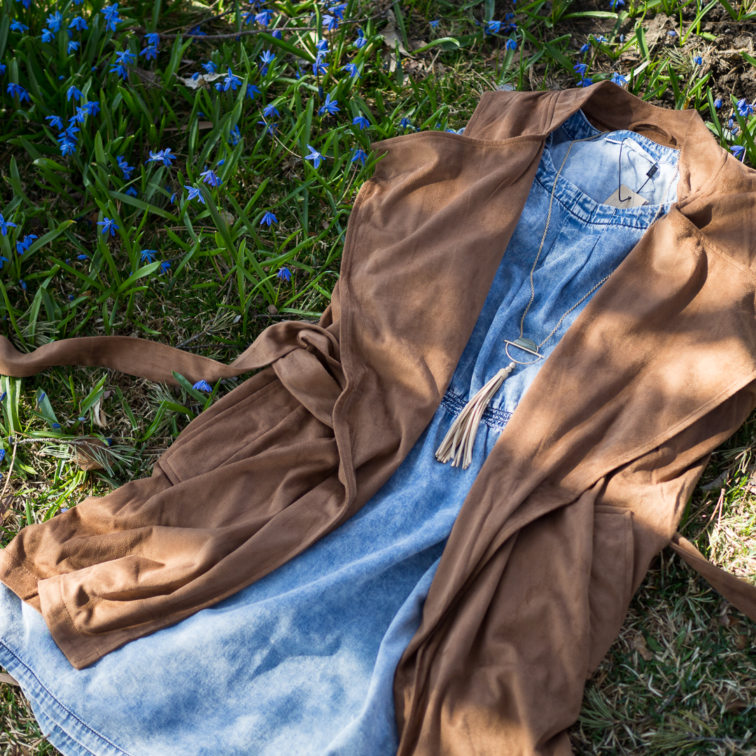 aprilwk3-brownvest.jpg