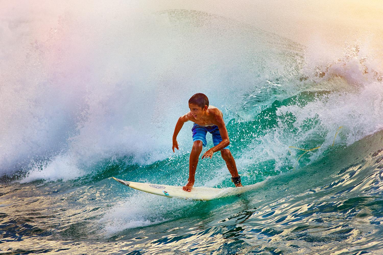 LITTLE SURFER DUDE SHREDDING AT TURTLE BAY