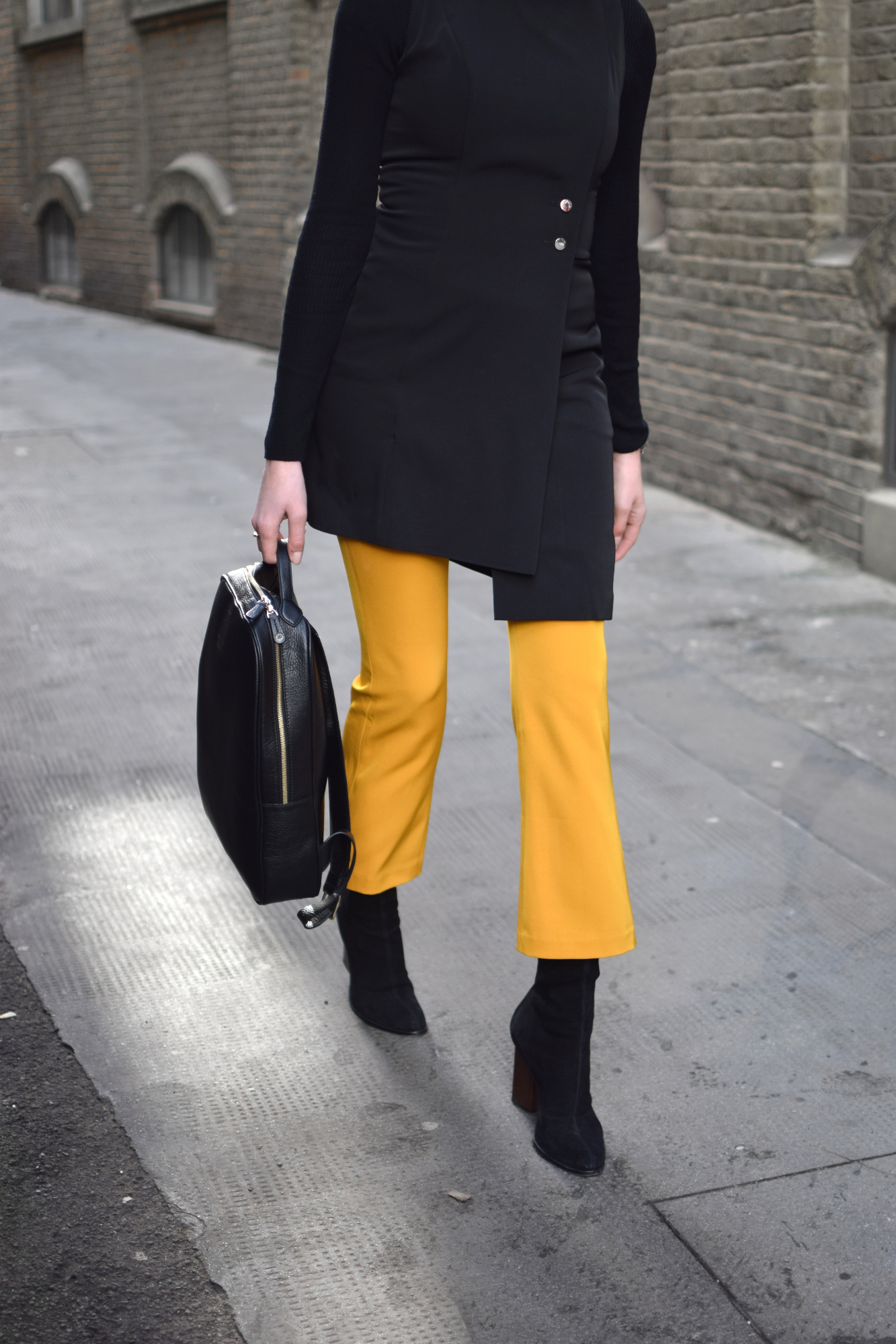 LFW Minimal Blogger Outfit