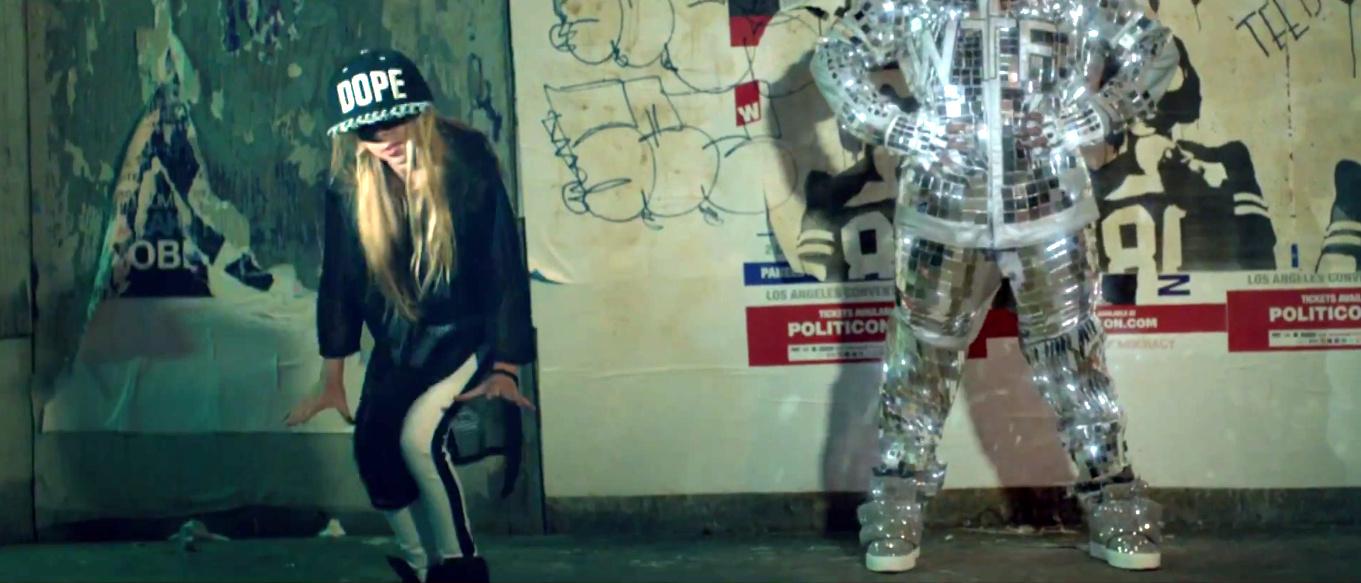 Missy Elliott - WTF (Where They From) ft. Pharrell Williams [Official Video] - YouTube - Google Chrome 11122015 112950 AM.bmp.jpg