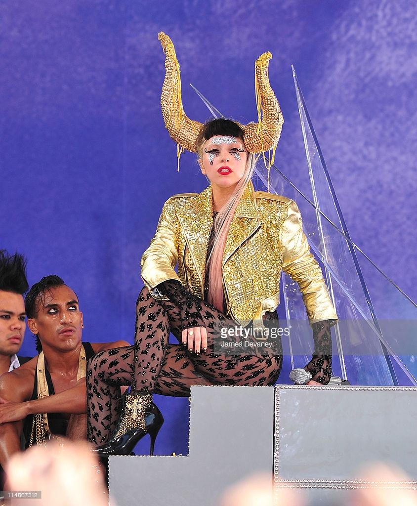A-Morir Lady Gaga Horns Sam Bennett 2.jpg