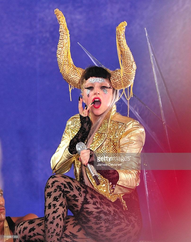 A-Morir Lady Gaga Horns Sam Bennett 3.jpg