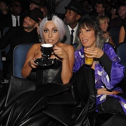 A-Morir Lady Gaga Teacup VMAs.jpg