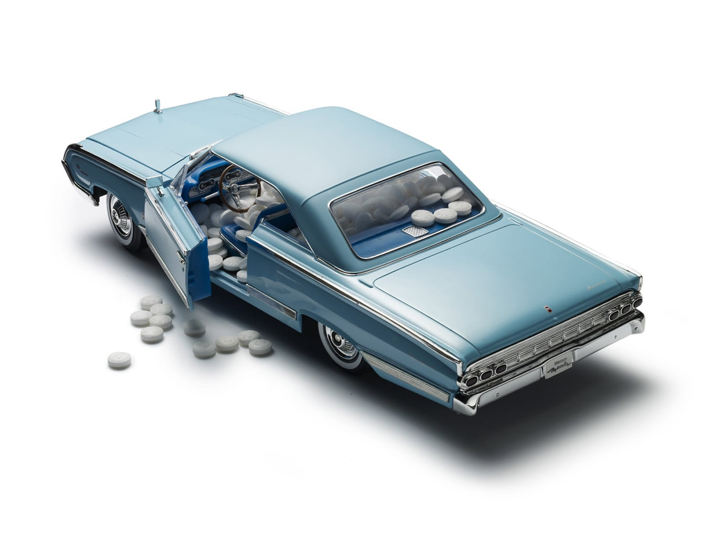 PILL_BLUE_CAR_crop.jpg