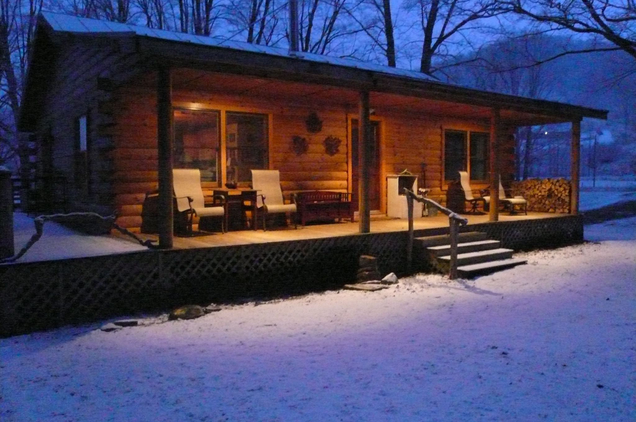 cabin_snowy_night.jpg