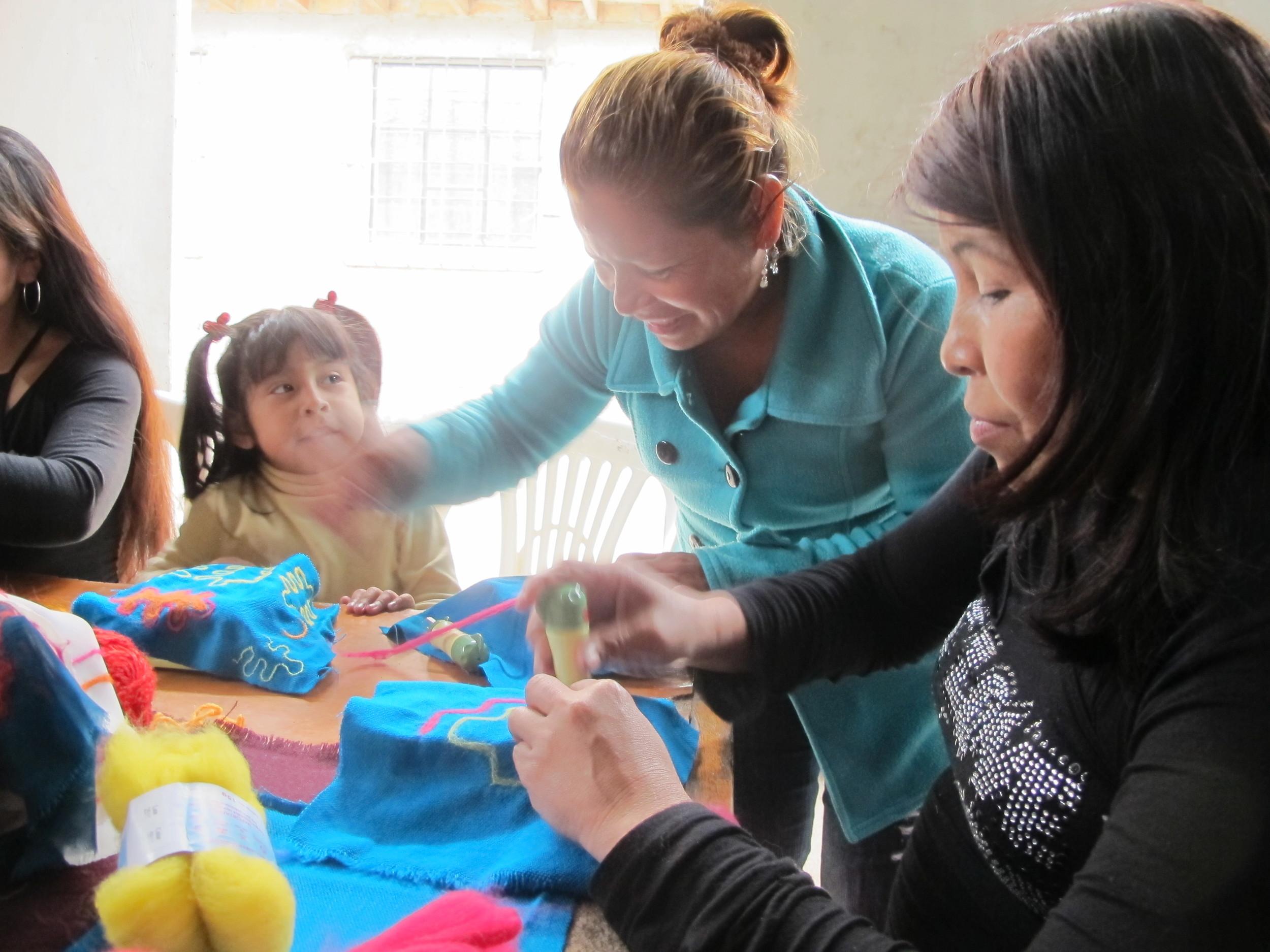 Needle felting workshop with Las Madres Ashë, Shipibo-Conibo community of Cantagallo, Lima, Peru.