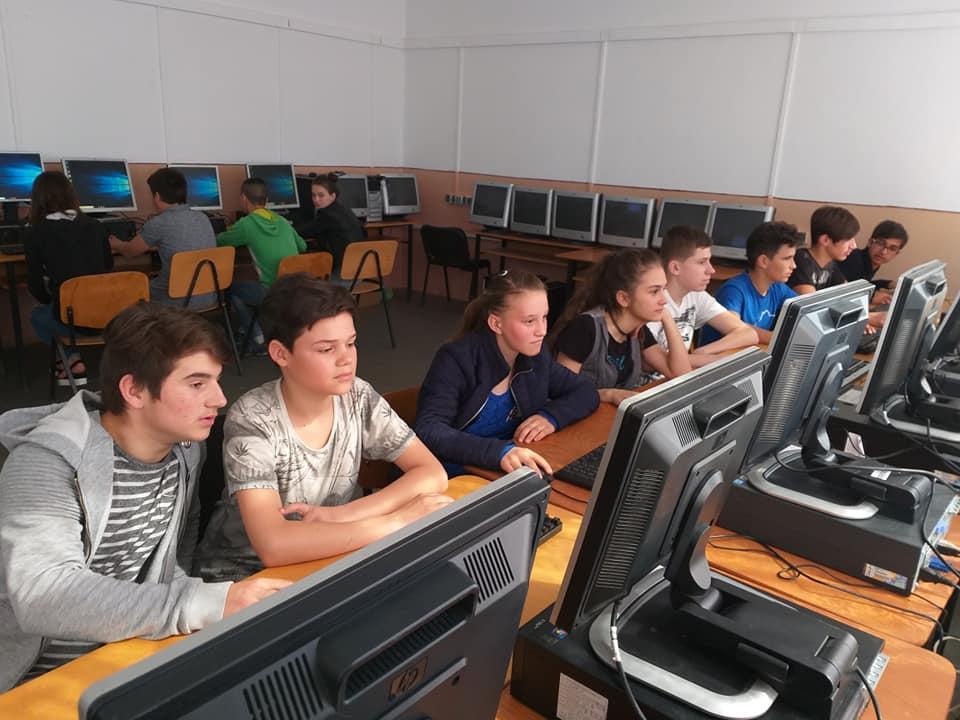 Școala Gimnazială Pesceana