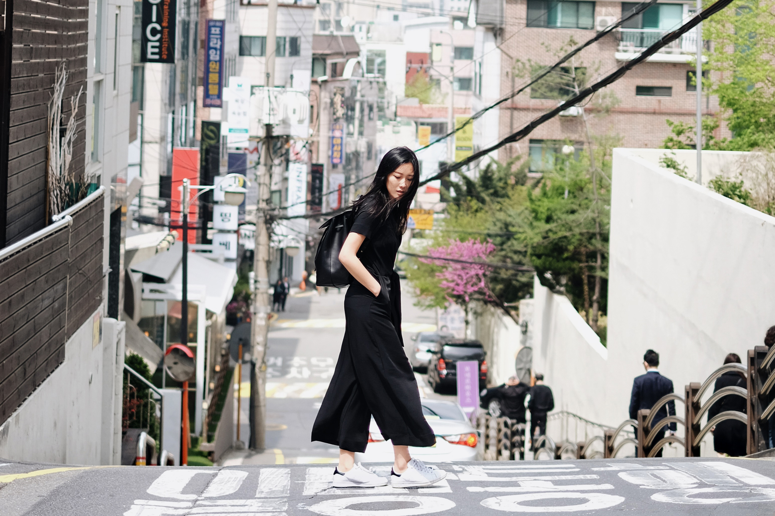 COS   Jumpsuit   /  MANSUR GAVRIEL   Bag     / ADIDAS   Sneakers