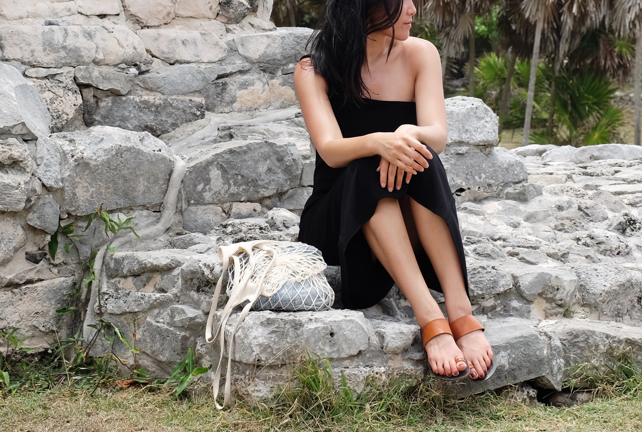 TOTÊME   Dress  (More   here  ) / ATP ATELIER   Sandals  (Similar   here  and   here  ) / FILT   Net Bag  (Similar   here  )