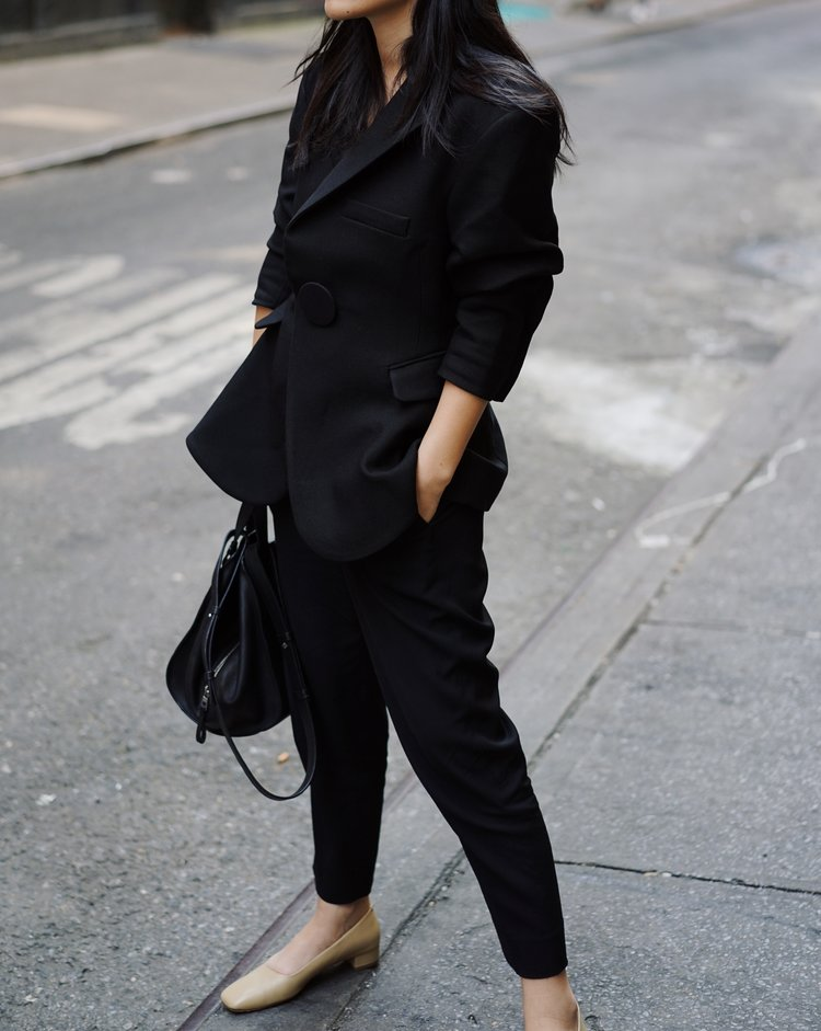 JACQUEMUS   Blazer   / LOEWE   Bag   / BY FAR   Shoes  — See post  here