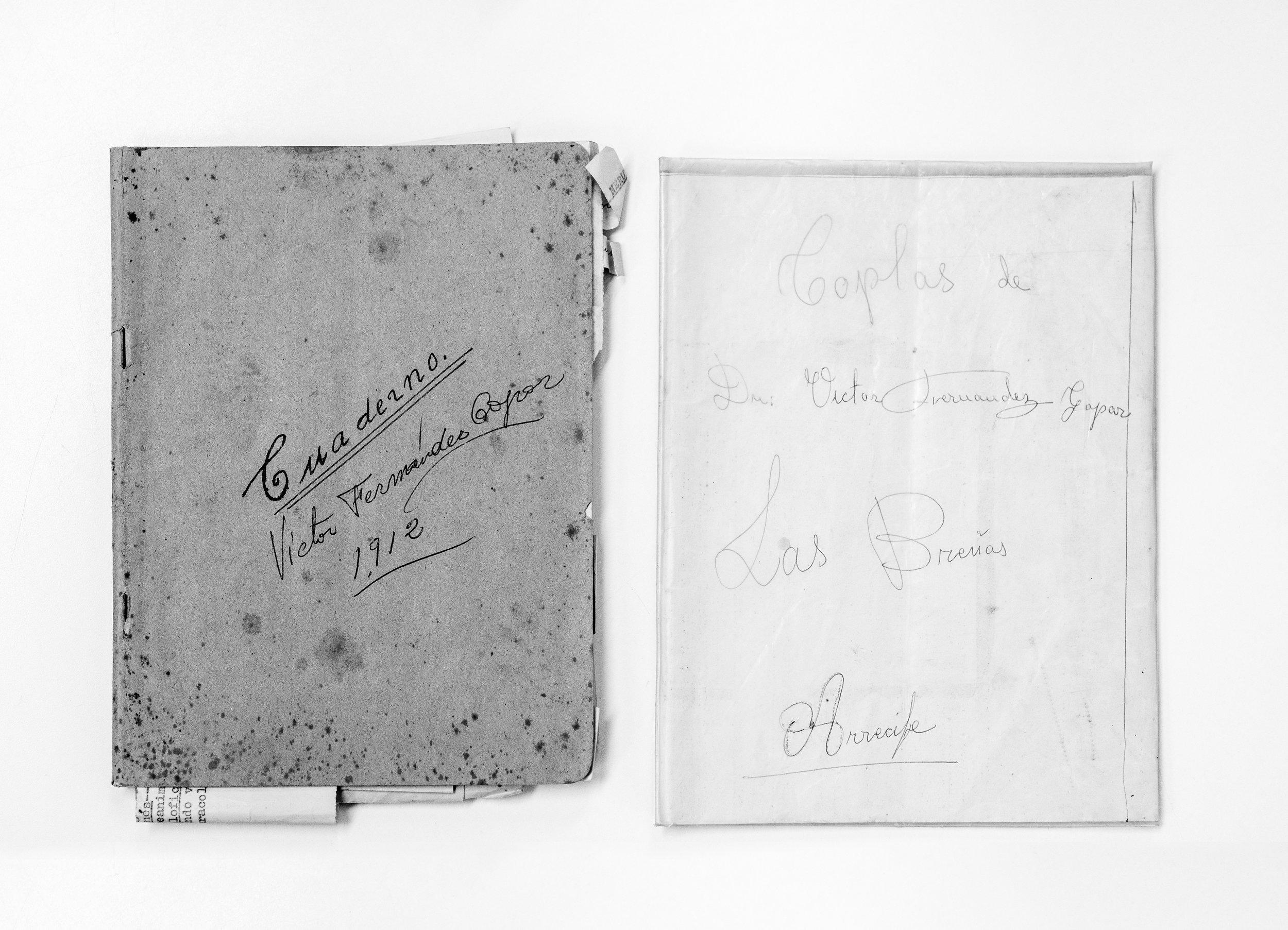 Libretas 1912 y 1966 del Fondo Agustín de la Hoz en el Archivo Municipal de Arrecife. Foto Rubén Acosta.jpg