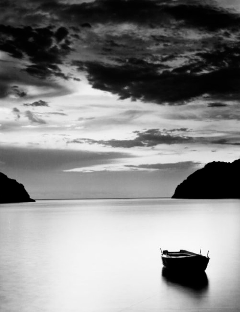 Athos Bay by Roman Loranc