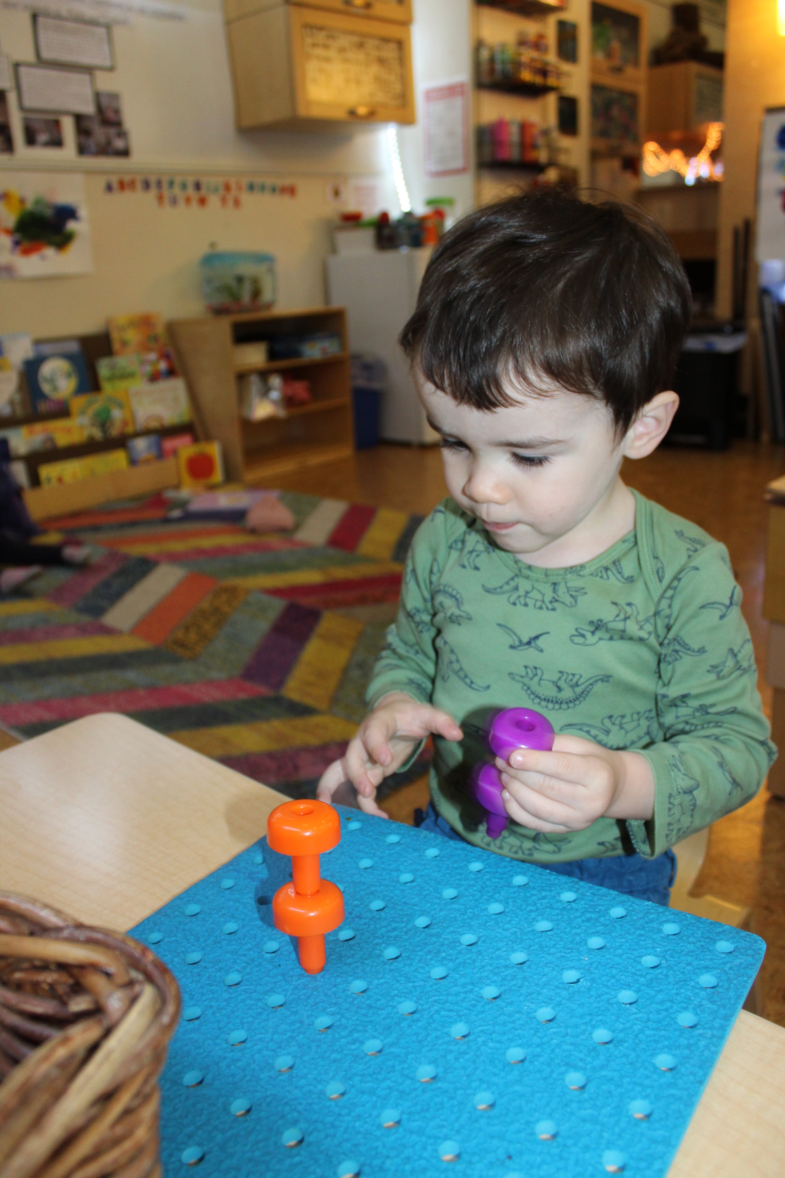 Pegs are sorting, stacking, and color recognition manipulative toy.  They build fine motor skills, develops and strengthens visual perception skills, hand-eye coordination, motor coordination, imagination, and creativity.