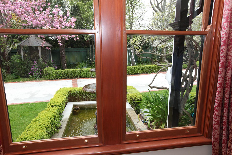 Double sash window - English style