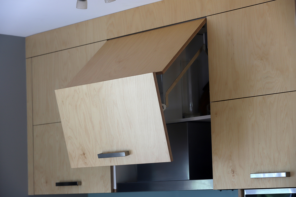 Built-in rangehood birch plywood