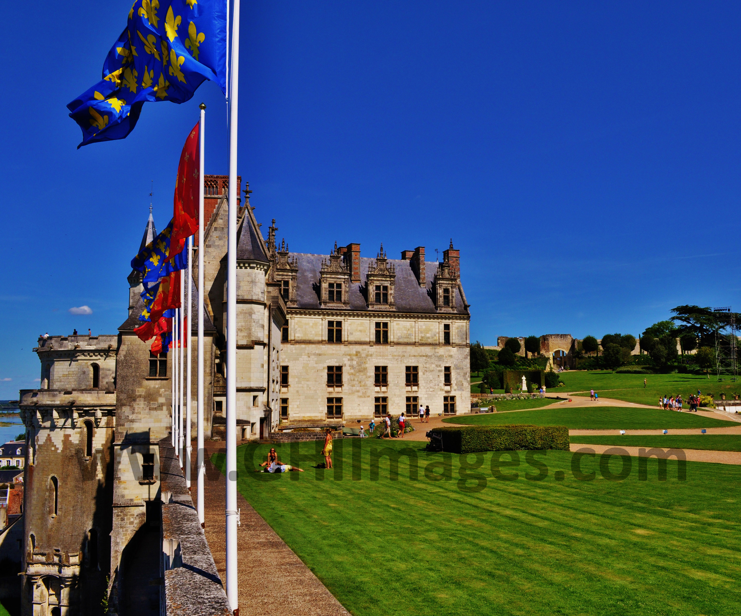 Chateau d'Amboise_Color_2015_(2WM).jpg