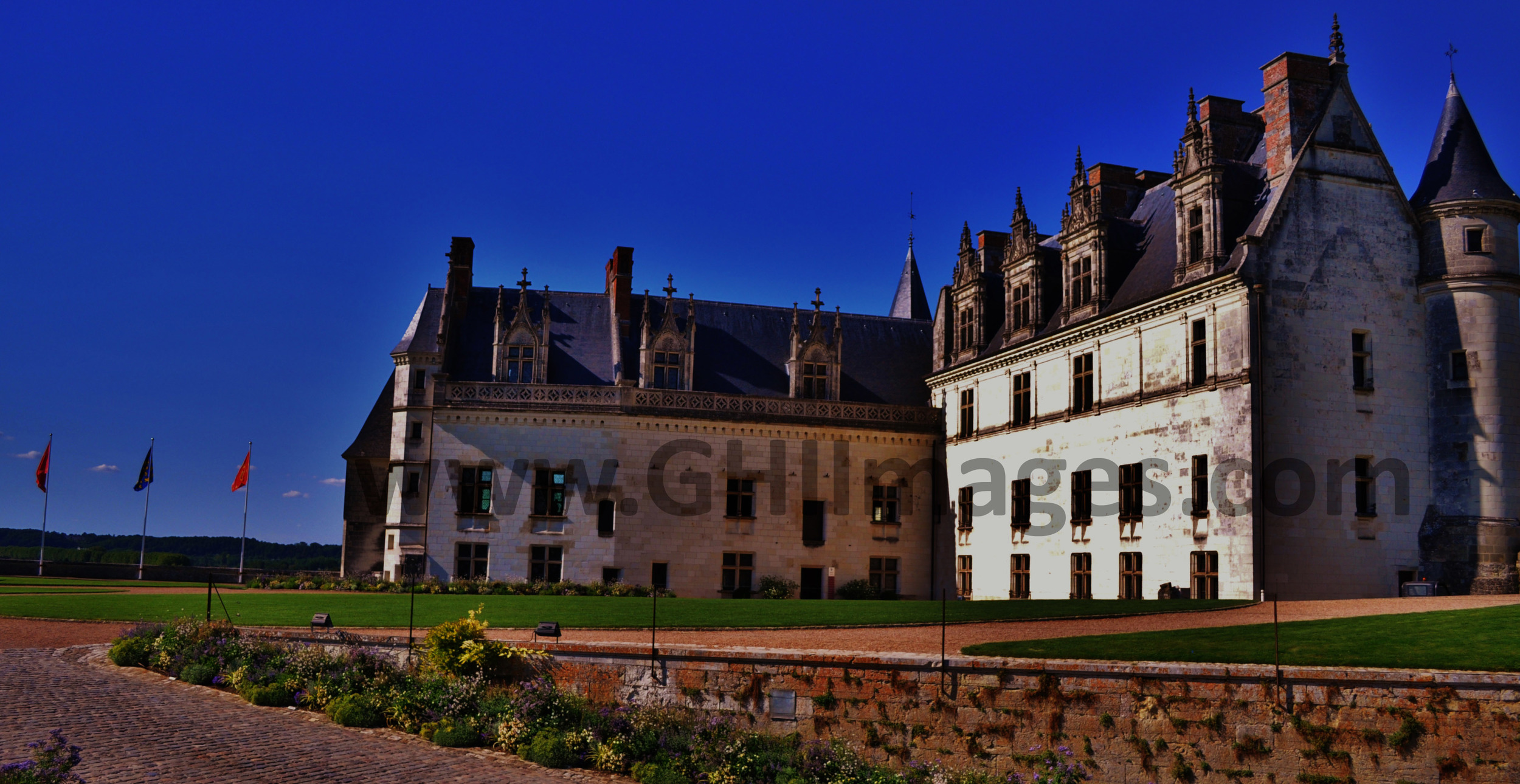 Chateau d'Amboise_Color_2015_(3WM).jpg