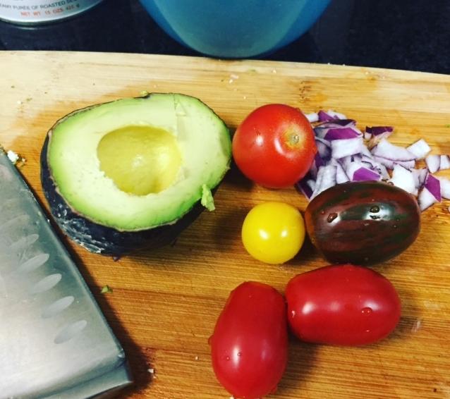Avo + tomato.JPG