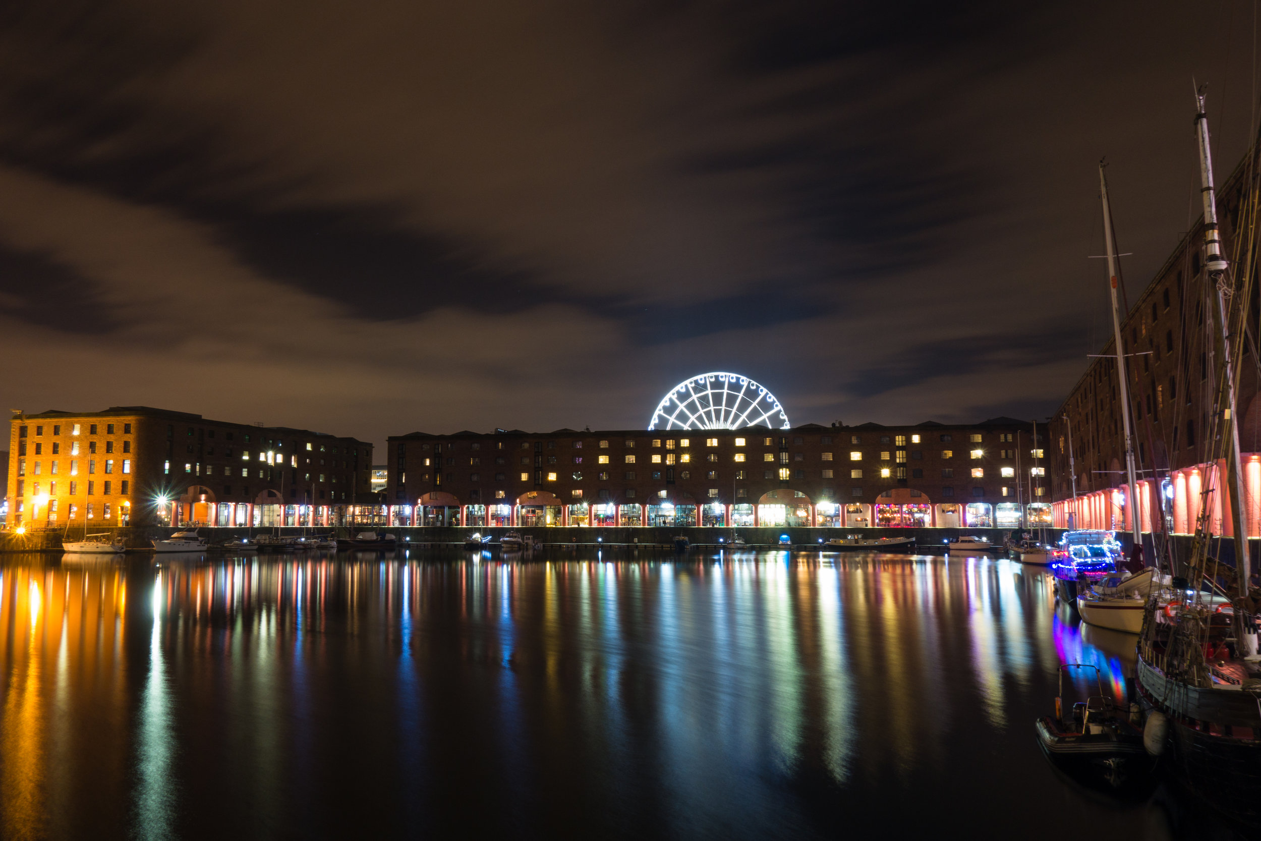 Albert dock & wheel-2.jpg