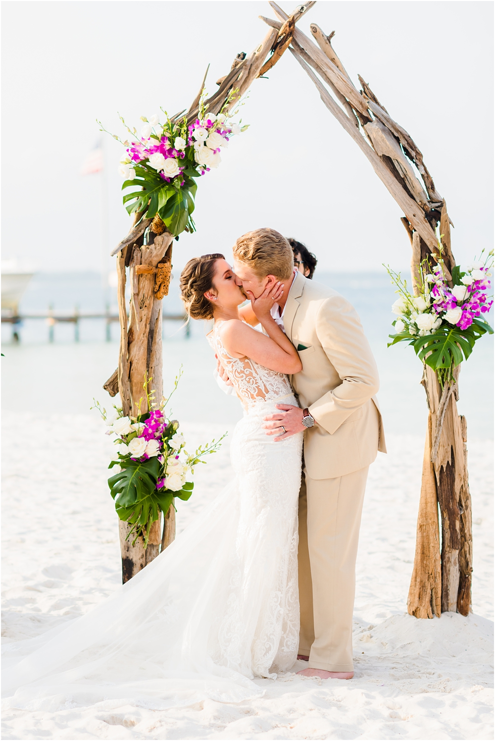 hemingways-pensacola-beach-wedding-kiersten-stevenson-photography-47.jpg