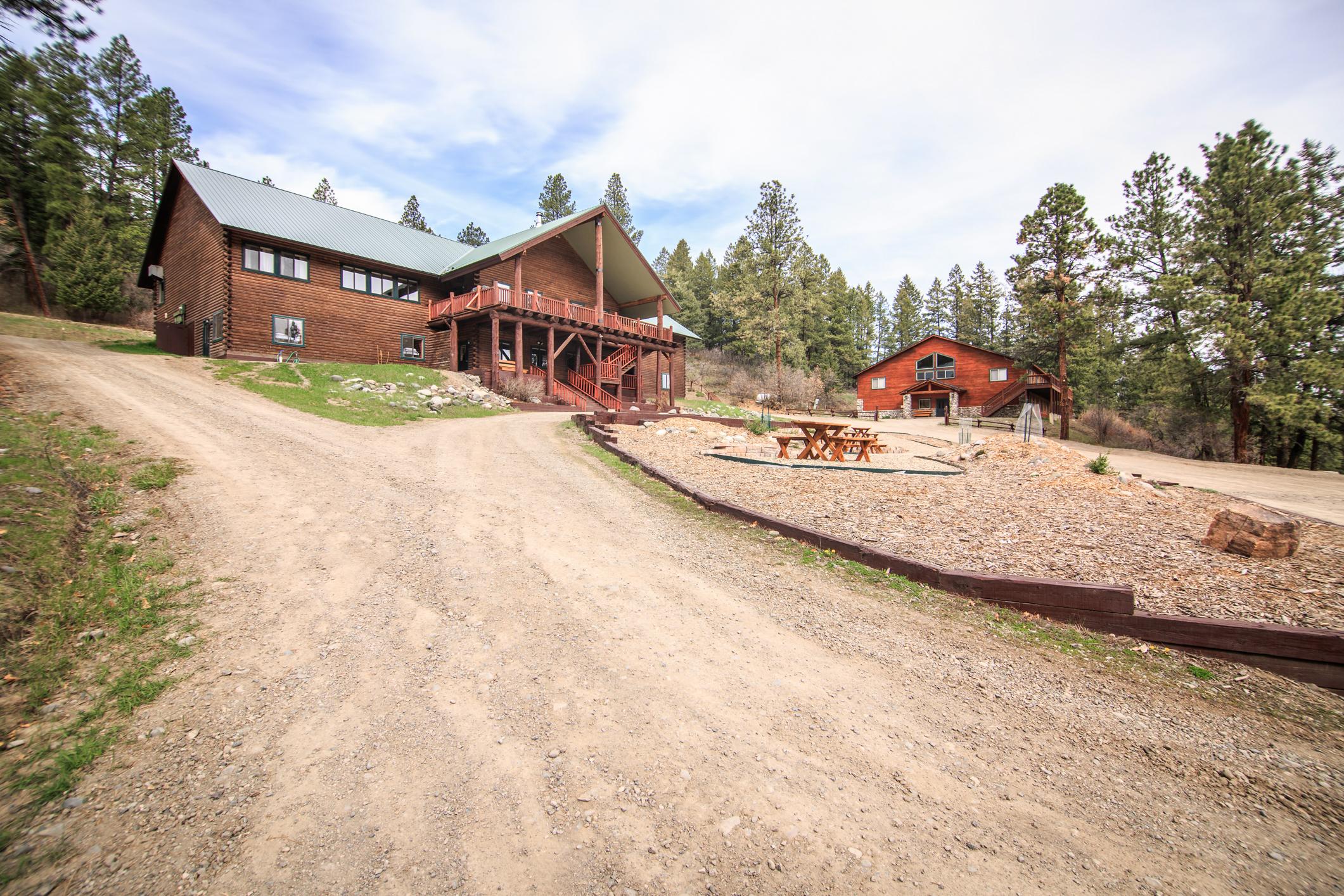 EXT Snow Wolf Lodge CREN--36.jpg