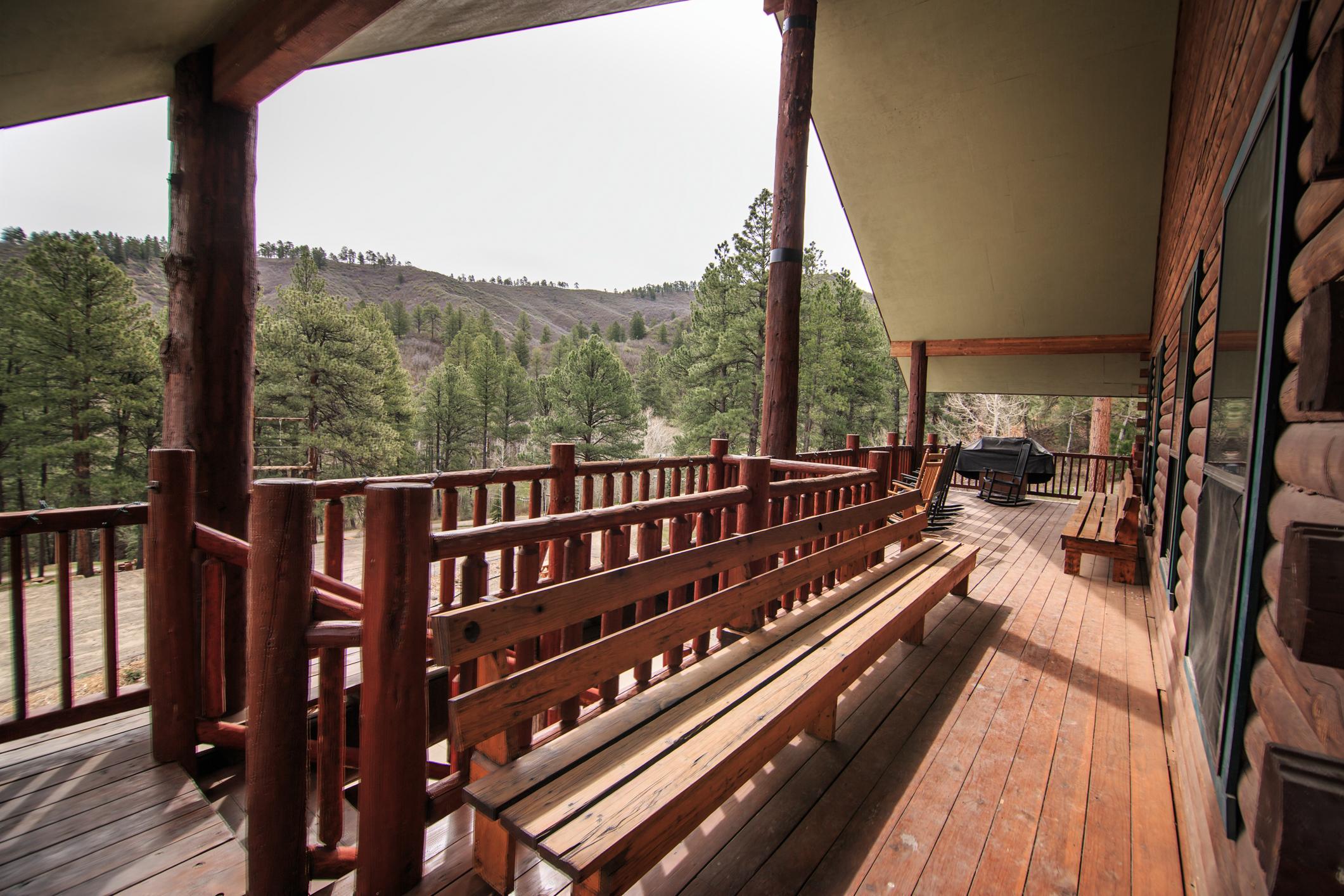 EXT Snow Wolf Lodge CREN--46.jpg