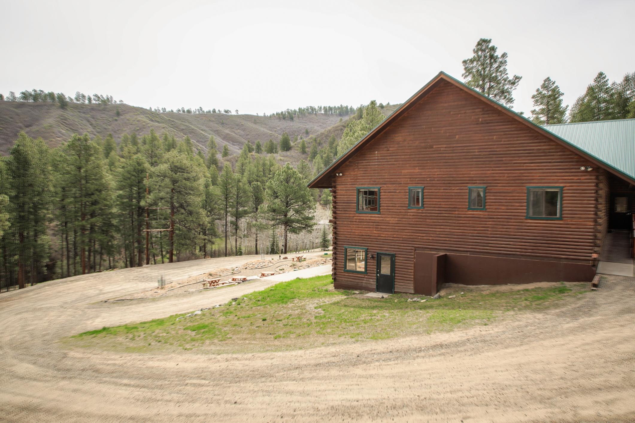 EXT Snow Wolf Lodge CREN--52.jpg